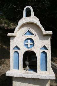 Memoriales carreteras en Creta